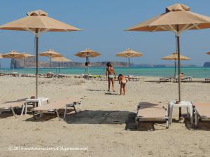 Creta spiaggia e ombrelloni